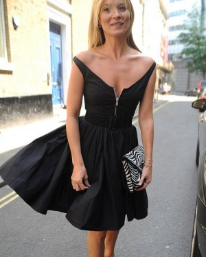 Simple Black V-neck Satin Homecoming Dress with Front Zipper HD3286