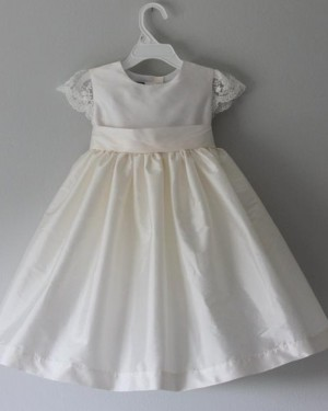 Jewel Neckline White Satin Girl Dress with Lace Cap Sleeves FC0024