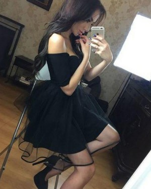 Simple Black Tulle Homecoming Dress with Short Sleeves HD3369