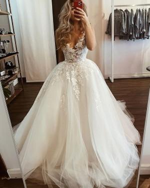 Tulle White V-neck Lace Applique Wedding Dress WD2435